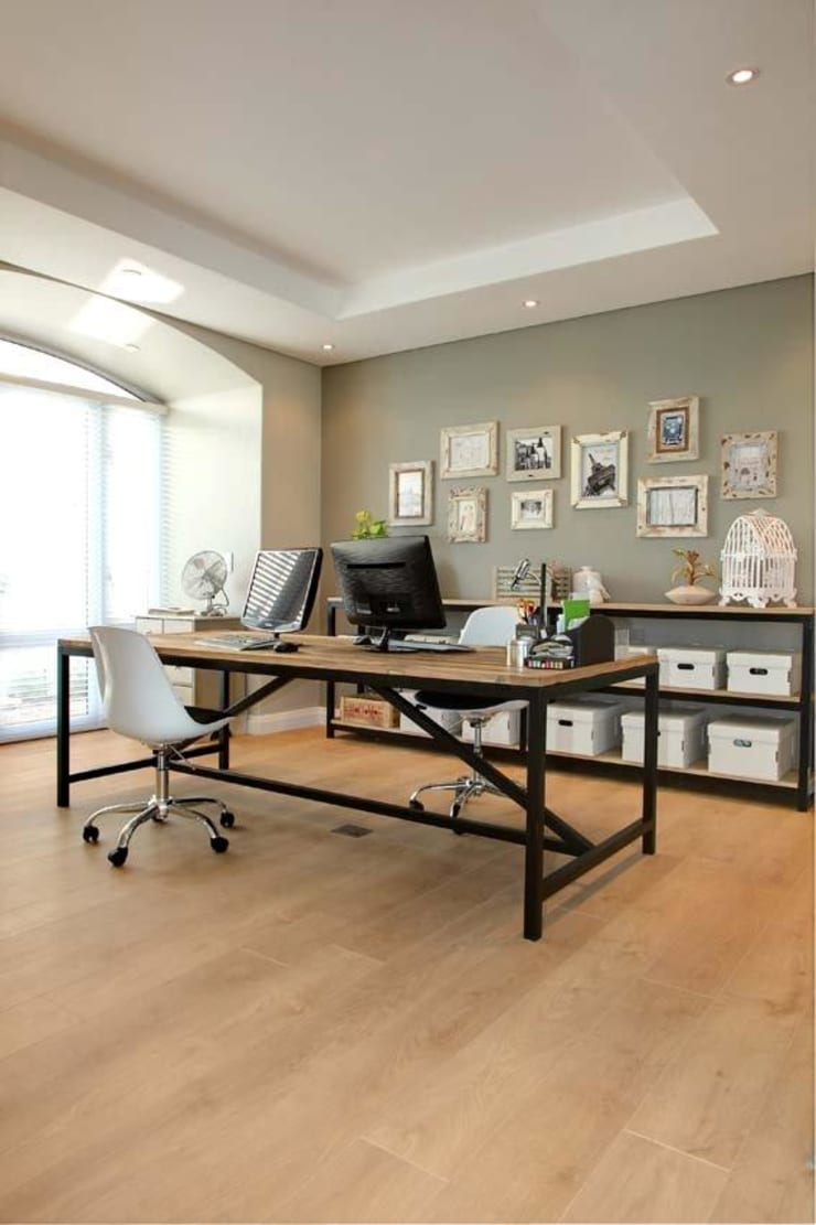 Home office:  Study/office by Salomé Knijnenburg Interiors