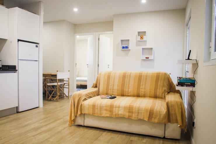 Casa da Barra: Salas de estar  por Artglam - construção