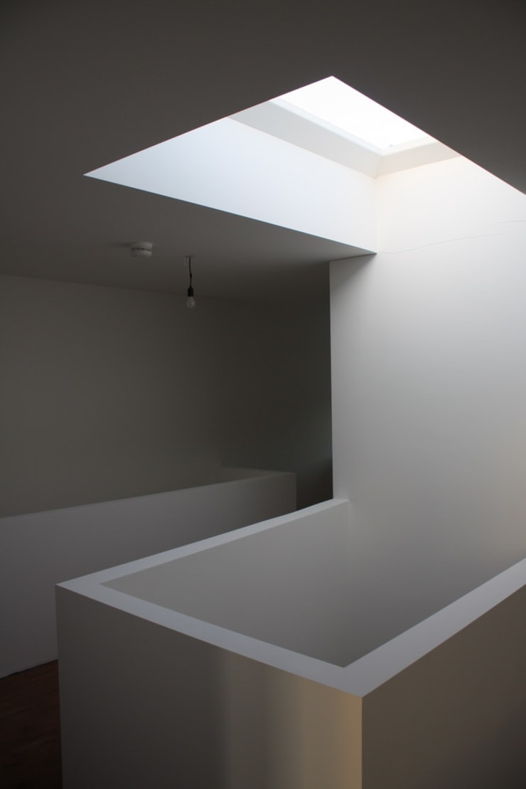 Couloir et hall d'entrée de style  par Architectenbureau Jules Zwijsen, Moderne