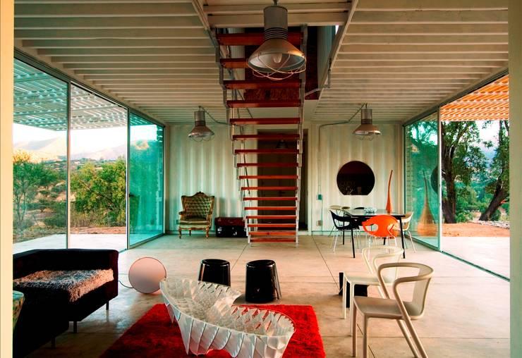 MANIFESTO HOUSE: Salas de estilo  por james&mau