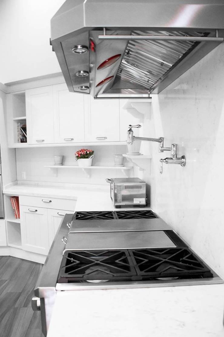 classic Kitchen by ARTE CUCINE/ PEDINI SAN ANGEL