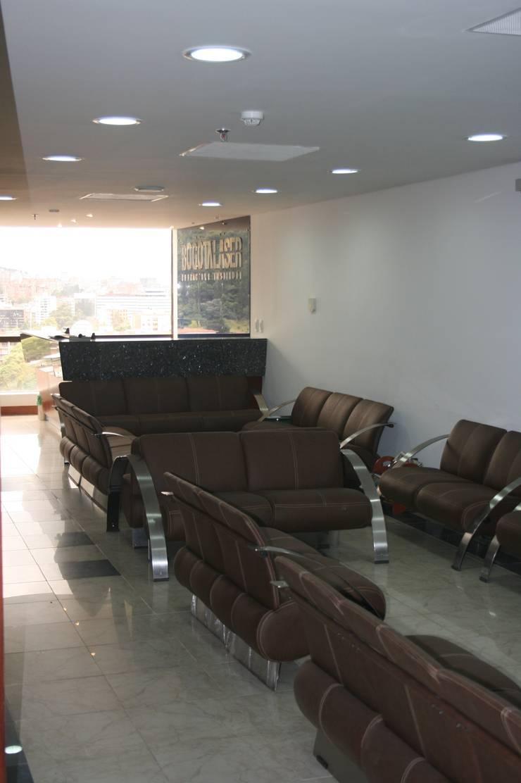 Modern corridor, hallway & stairs by bdl concept/studio Modern