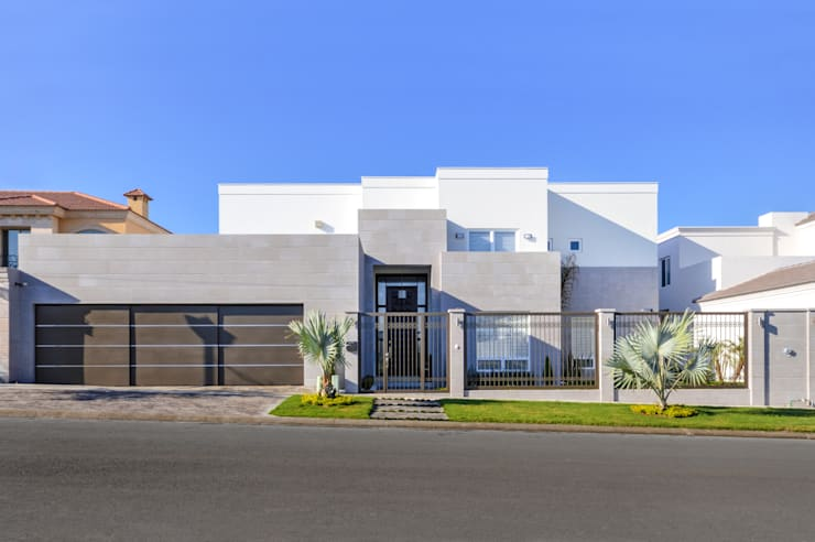 Houses by CORTéS Arquitectos, Modern Limestone