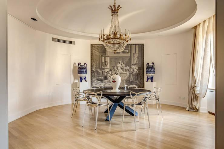 Comedores de estilo  por MOB ARCHITECTS