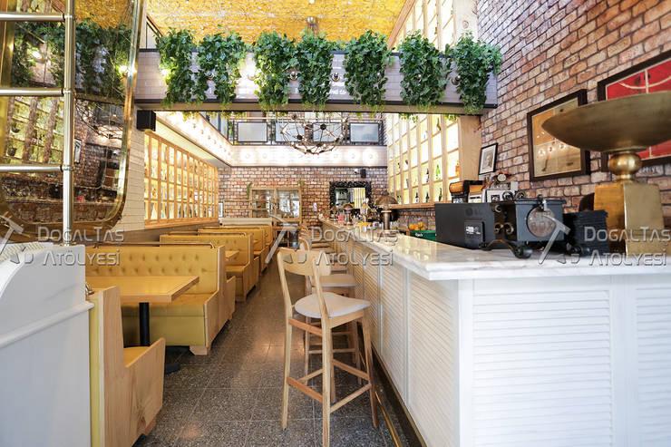 Doğaltaş Atölyesi – Tuğla Duvar Uygulaması - Cadde Üstü Restaurant :  tarz Yeme & İçme, Rustik Tuğla