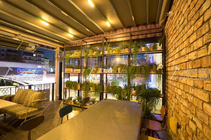 Doğaltaş Atölyesi – Cadde Üstü Restaurant - Tuğla Duvar :  tarz Yeme & İçme, Rustik Tuğla
