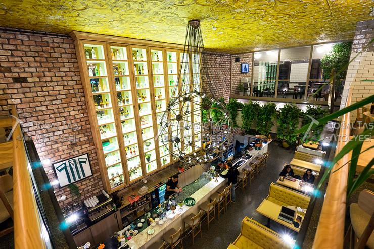 Doğaltaş Atölyesi – Tuğla Duvar Uygulaması - Cadde Üstü Restaurant:  tarz Yeme & İçme, Rustik Tuğla
