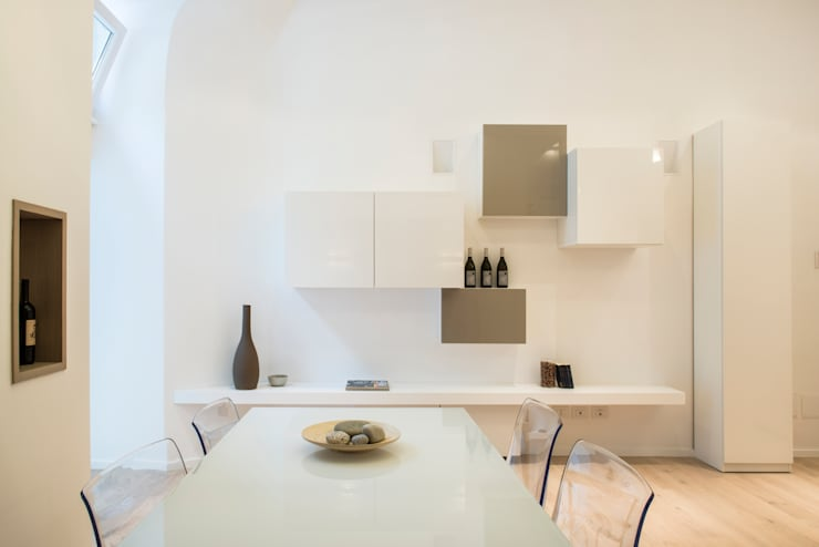 Dining room by STUDIO ACRIVOULIS      Architettra + Interior Design