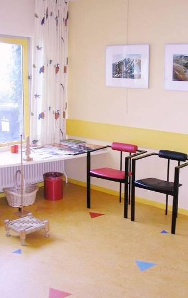 wachtkamer:  Studeerkamer/kantoor door Brenda van der Laan interieurarchitect BNI