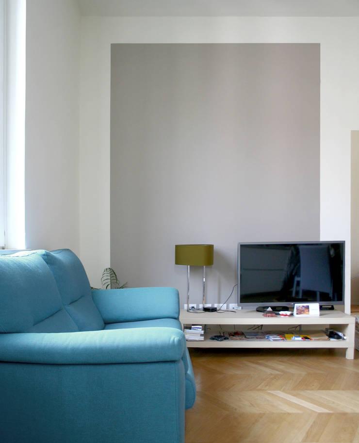 Salon de style  par Atelier delle Verdure,
