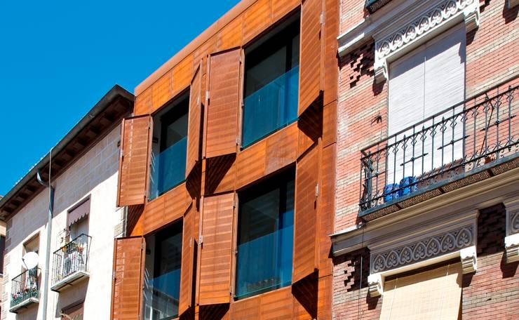 SAN VICENTE FERRER 78 : Casas de estilo  por james&mau, Moderno
