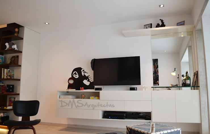 modern Living room by DMS Arquitectas