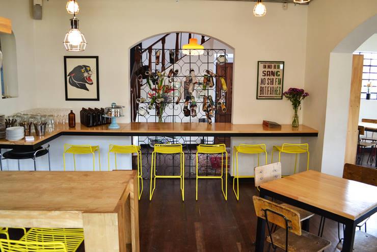 BARRA de Guzman Studio Moderno