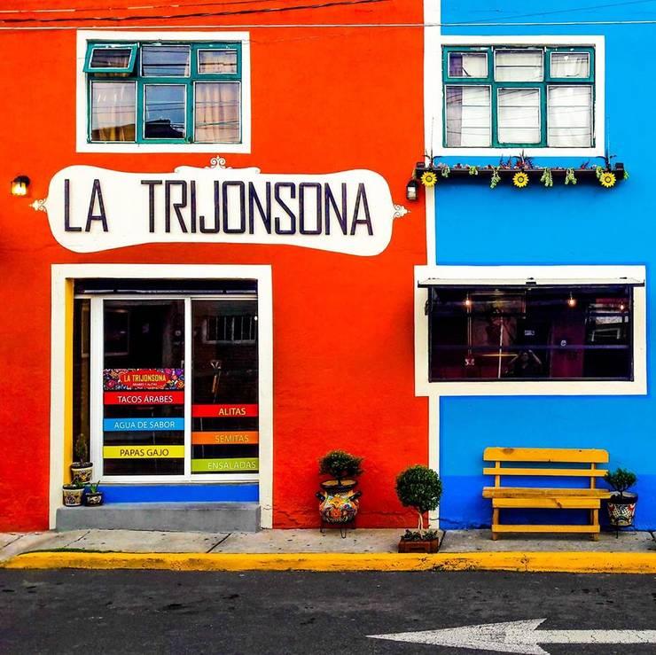 Fachada La Trijonsona:  de estilo industrial por Esse Studio, Industrial