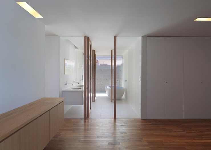 modern Bathroom by 森裕建築設計事務所 / Mori Architect Office