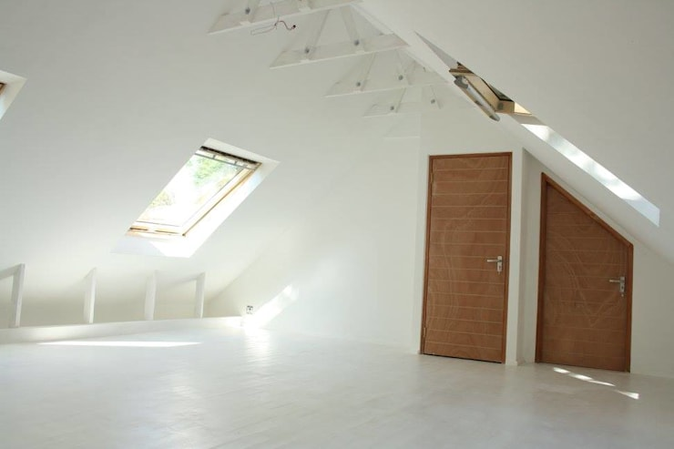 Loft room , staircase and Velux roof windows:  Bedroom by Loftspace