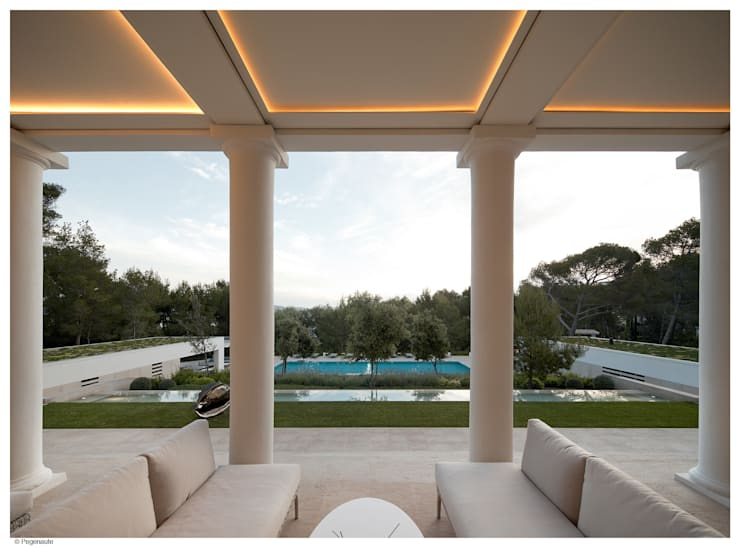 Refurbishment and extention of a single family house and swimming pool in Alcudia:  Patios & Decks by Tono Vila Architecture & Design