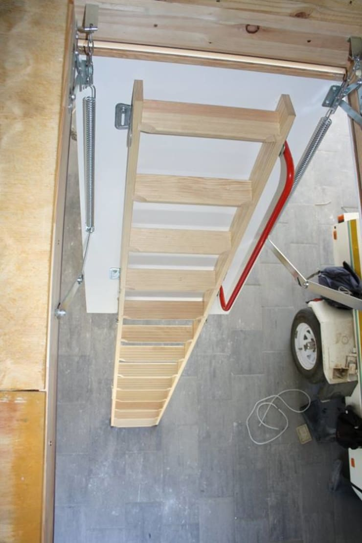 Folding ladder and storage floor:  Garage/shed by Loftspace