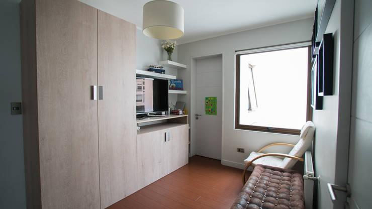Muebles y cocina completa para casa camino del cerro alto en la Dehesa.: Hogar de estilo  por Retta spa