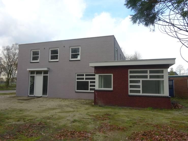 woonhuis Lage Mierde:  Huizen door architectenbureau Harrie Verhoeven