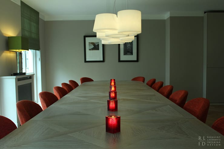 RL-ID Vergaderzaal Pavlov Den Haag:  Studeerkamer/kantoor door Robbert Lagerweij Interior Design, Klassiek Massief hout Bont