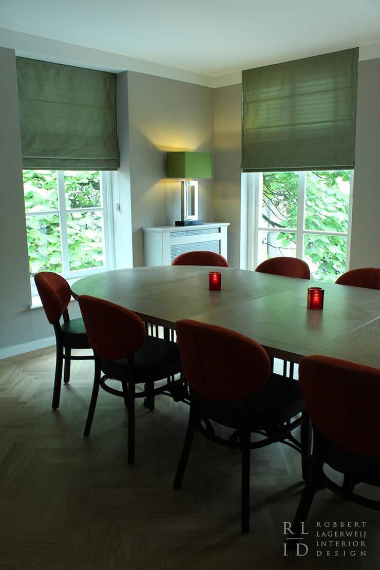 RL-ID Vergaderzaal restaurant Pavlov:  Studeerkamer/kantoor door Robbert Lagerweij Interior Design, Klassiek Massief hout Bont