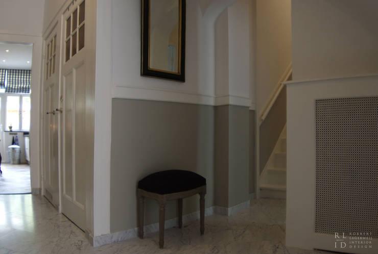 Couloir et hall d'entrée de style  par Robbert Lagerweij Interior Design, Classique Marbre