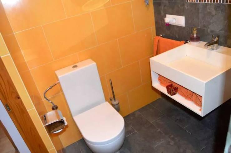 Bathroom by Espai Interior Home Staging, Modern
