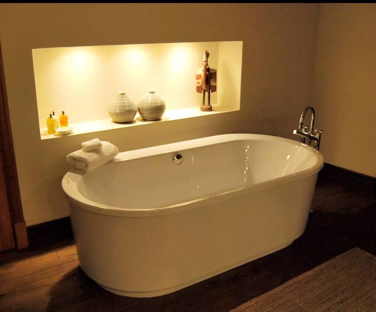 Refurbishment of existing house in Soller: modern Bathroom by Tono Vila Architecture & Design