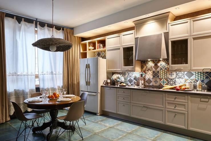 Cocinas de estilo ecléctico por Вира-АртСтрой