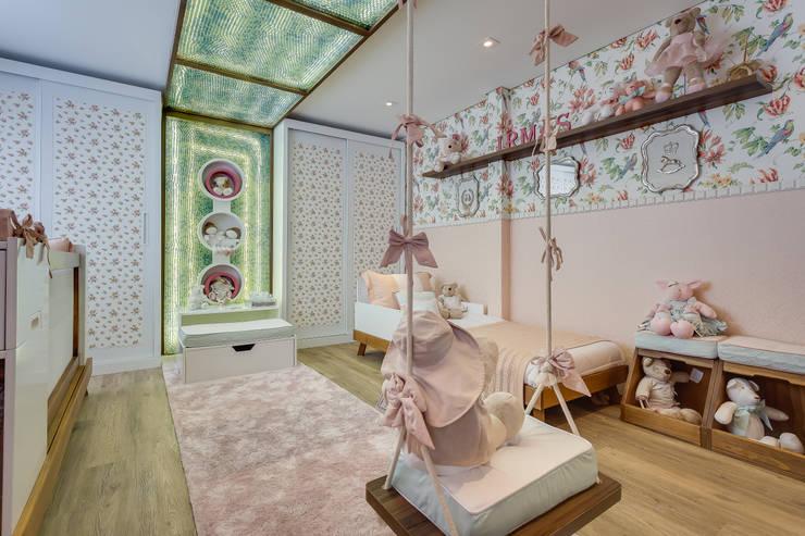Cuartos infantiles de estilo  por Bernacki Arquitetura