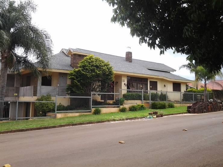 Houses by USA shingles/ Cobertech, Modern