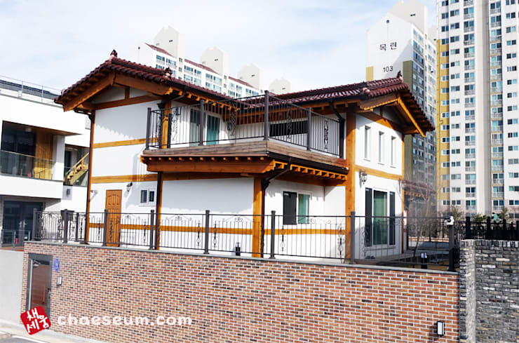 대전 2층 데크쪽을 바라본 사진: (주)채세움의