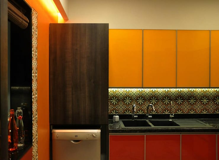 Mittal Residence, Colaba, Mumbai : eclectic Kitchen by Inscape Designers