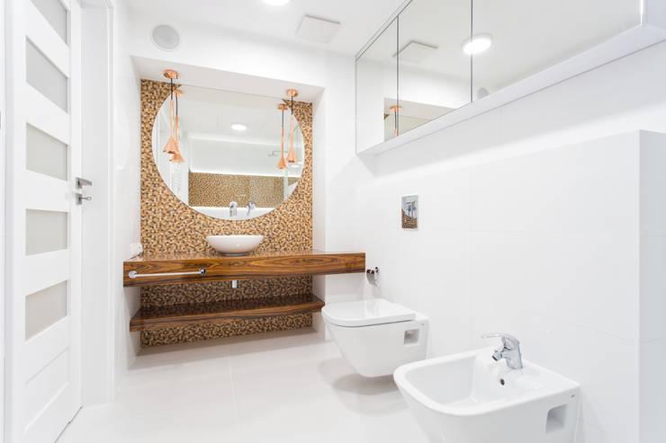 Łazienka z palisandrem. : styl , w kategorii Łazienka zaprojektowany przez Justyna Lewicka Design