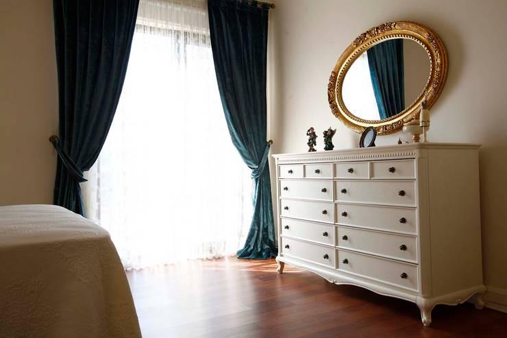 Öykü İç Mimarlık – Akasya Residence 1: klasik tarz tarz Yatak Odası