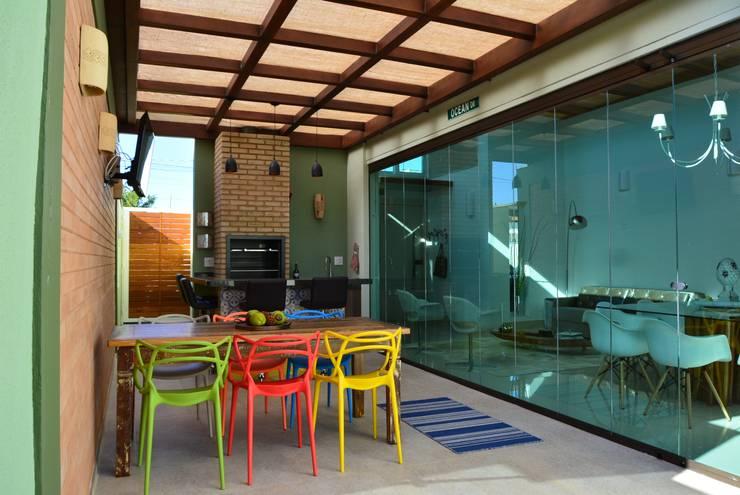Garajes y galpones de estilo  por Caio Pelisson - Arquitetura e Design