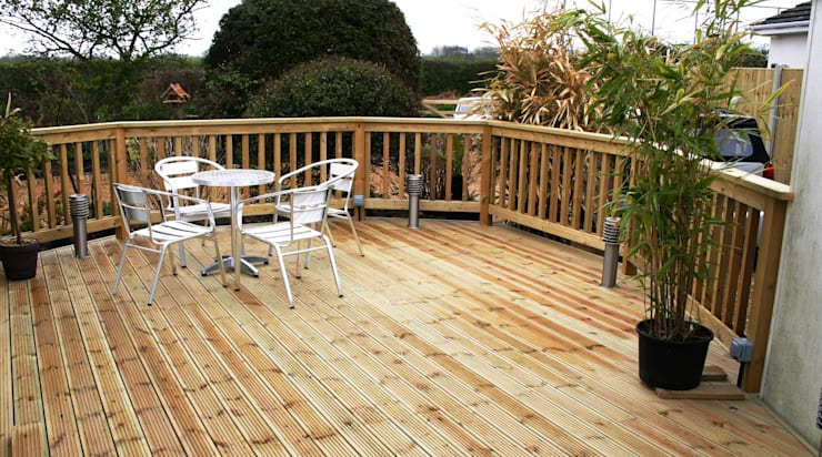 Beautiful Decking:   by Carpenters Johannesburg