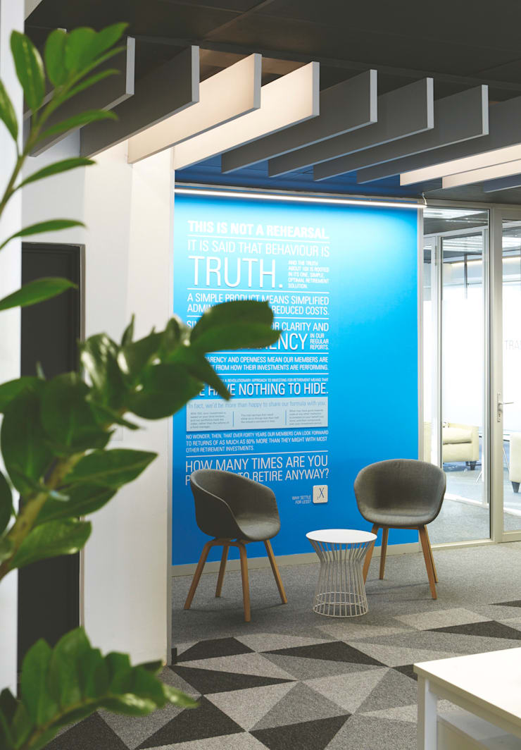 The investors office:  Offices & stores by Etienne Hanekom Interiors, Modern