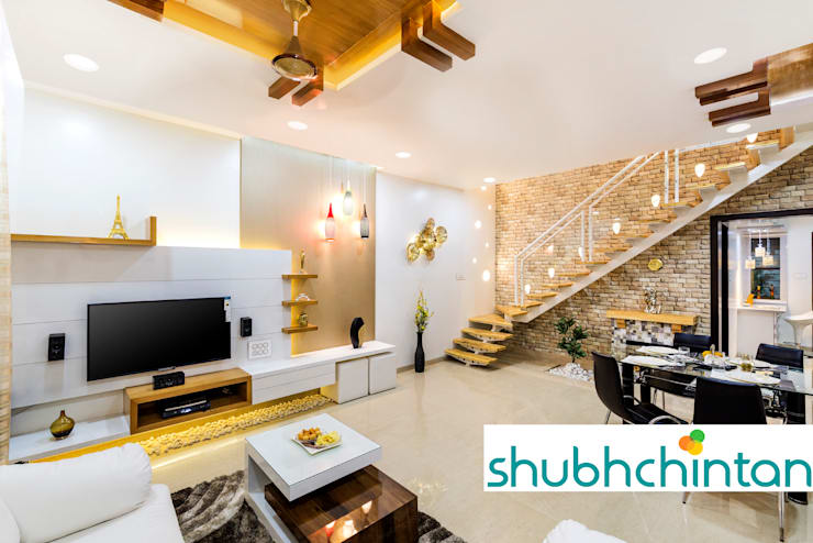 LIVING AREA:  Living room by shubhchintan