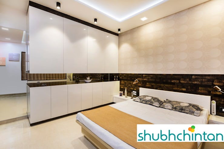 BERD ROOM FOR GUEST: modern Bedroom by shubhchintan