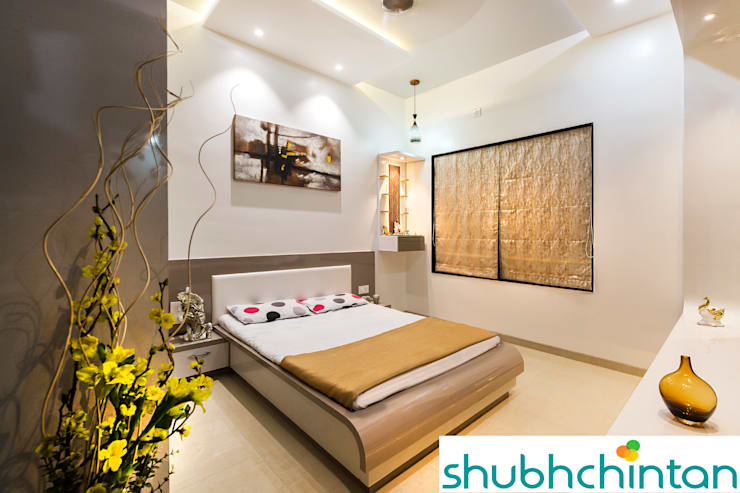 PARENTS BED ROOM: modern Bedroom by shubhchintan