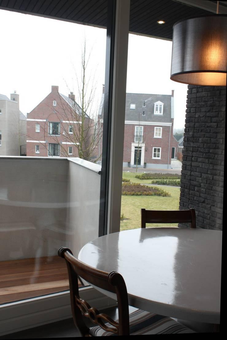 Comedores de estilo  por Architectenbureau Jules Zwijsen , Moderno
