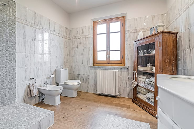 Baños de estilo moderno por Facile Ristrutturare