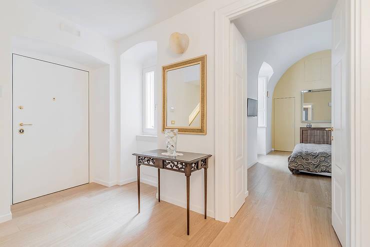 Corridor and hallway by Facile Ristrutturare