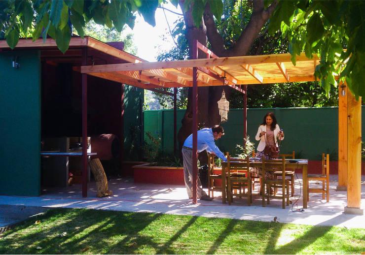 Vista exterior: Casas de estilo  por DIMA Arquitectura y Construcción