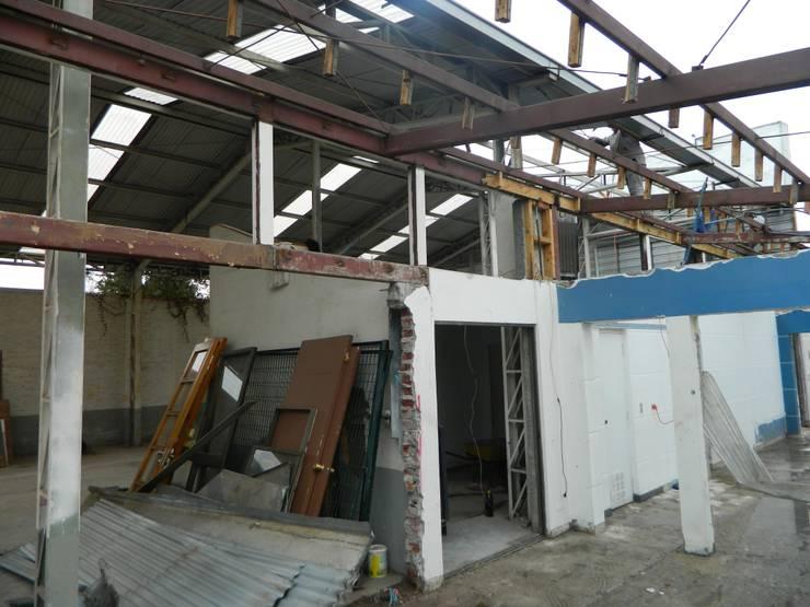 Vista previa de estructura existente: Oficinas y Comercios de estilo  por DIMA Arquitectura y Construcción