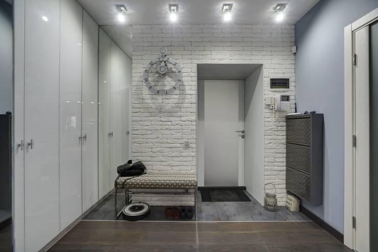 Apartments for stylish women: Коридор и прихожая в . Автор – Natali Vasilinka
