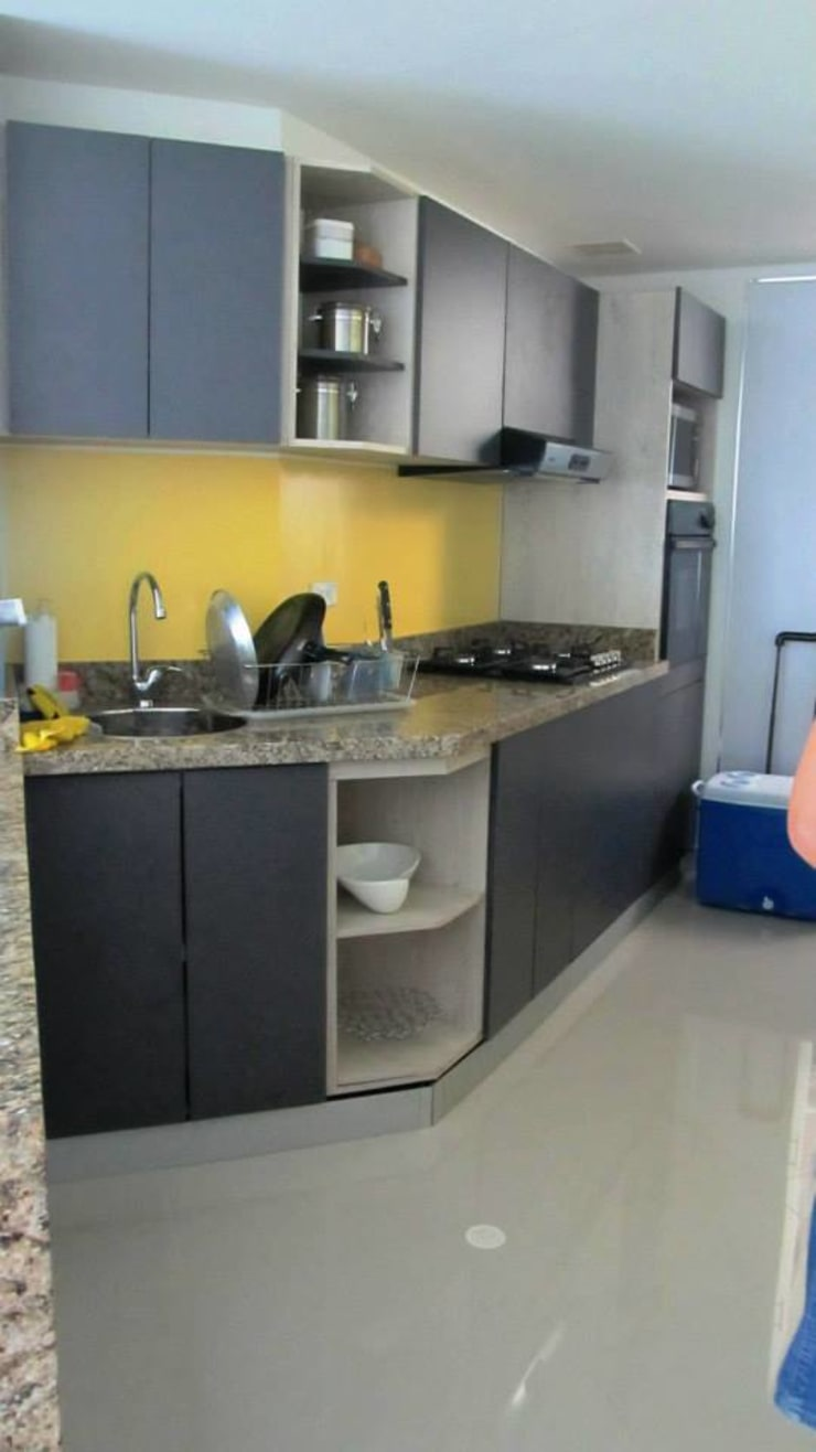 Final cocina: Cocinas de estilo  por Grupo Moix SAS