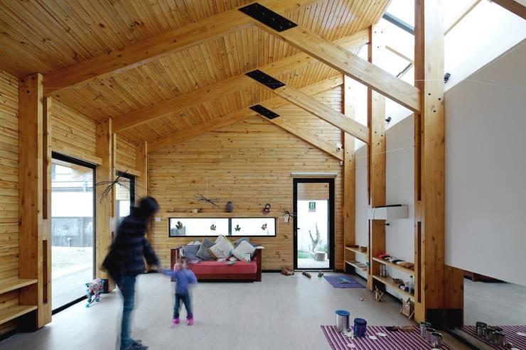 Sala de clases: Casas de estilo moderno por GAALGO Arquitectos